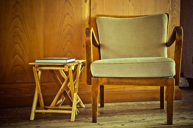 Prevents Your Wood Furniture From Cracking | Humidifier Benefits