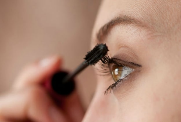 Style Your Eyelashes with Natural Mascara | Organic Beauty Products Your Should Have
