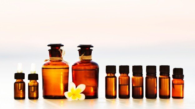 Most Effective Essential Oils For Acne | Combatting Acne Breakouts With Essential Oils