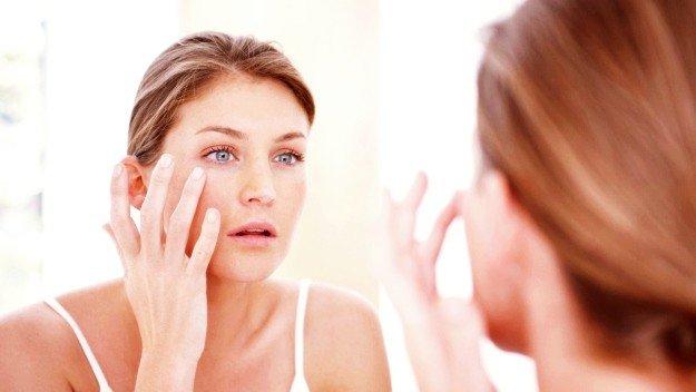 Best Essential Oils To Combat Acne Breakouts | Combatting Acne Breakouts With Essential Oils