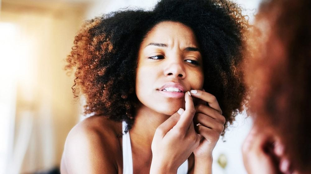 Feature | Combatting Acne Breakouts With Essential Oils
